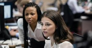 """Les actrices Marisa Abela et Myha'la Herrold, figures de proue de la première saison de la série """"Industry""""."""